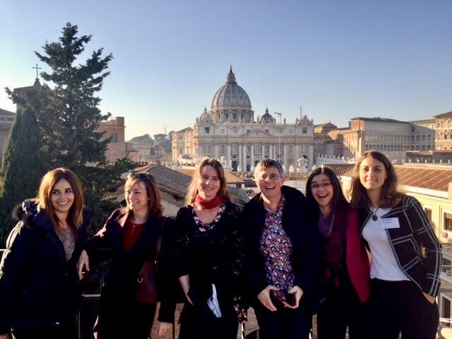 girls-in-front-of-vatican